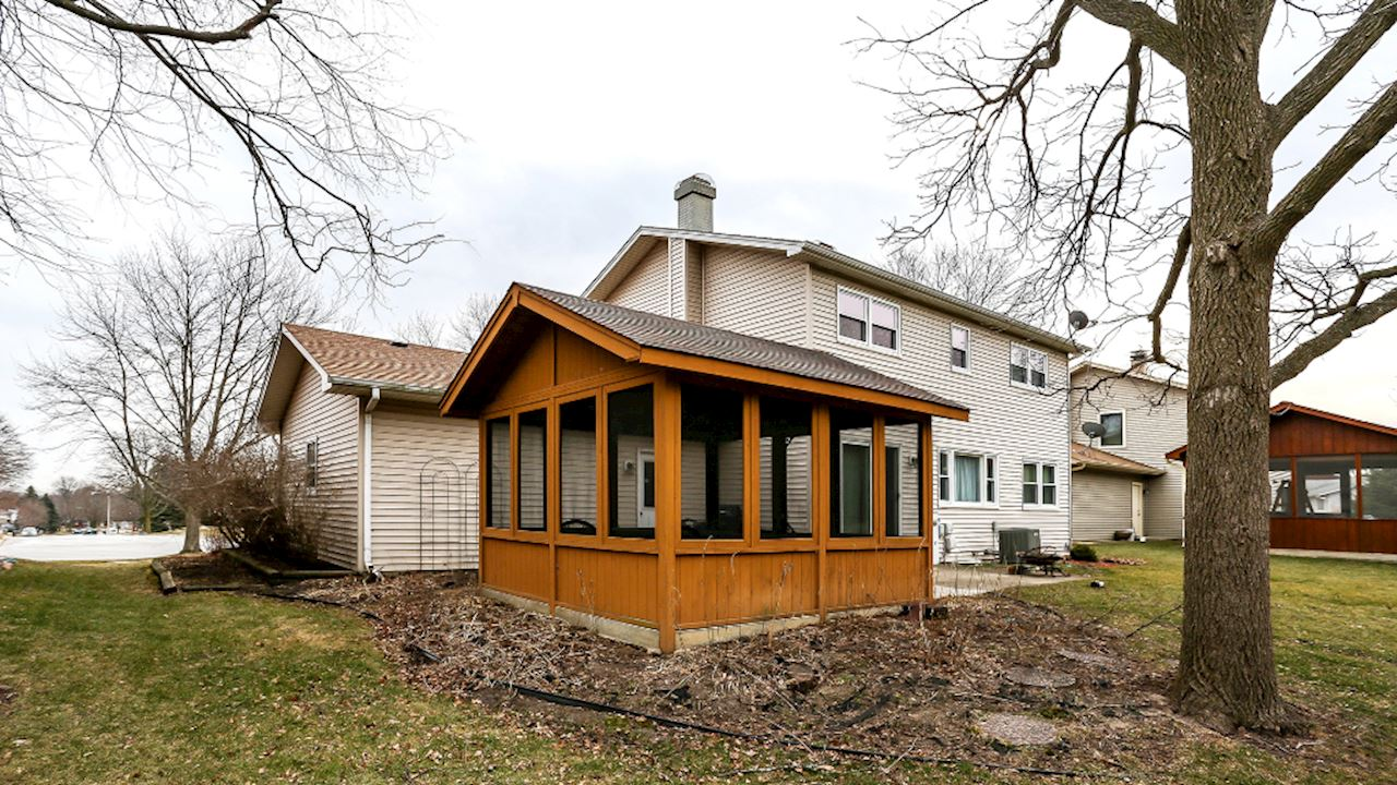 investment property - 2045 Monday Dr, Elgin, IL 60123, Kane - image 3