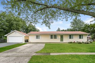 investment property - 881 Northampton Dr, Crystal Lake, IL 60014, McHenry - main image