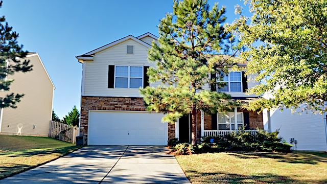 investment property - 3827 Larkhaven Village Dr, Charlotte, NC 28215, Mecklenburg - main image