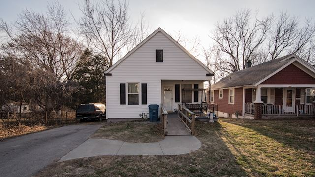 investment property - 131 S Willow Ave, Sugar Creek, MO 64053, Jackson - main image