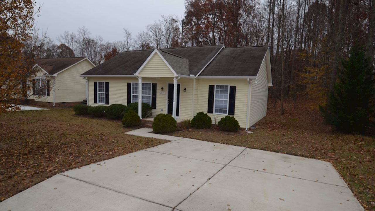 investment property - 2545 Eight Oaks Dr, High Point, NC 27263, Guilford - image 0