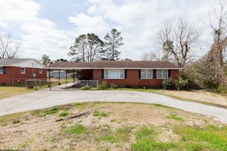 investment property - 911 Gum Branch Rd, Jacksonville, NC 28540, Onslow - main image