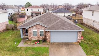 investment property - 906 Cortez Dr, Arlington, TX 76001, Tarrant - main image