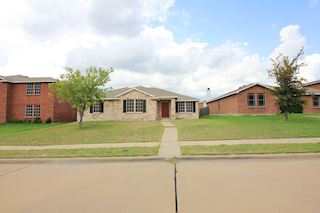 investment property - 1407 Gentle Rain Dr, Lancaster, TX 75134, Dallas - main image