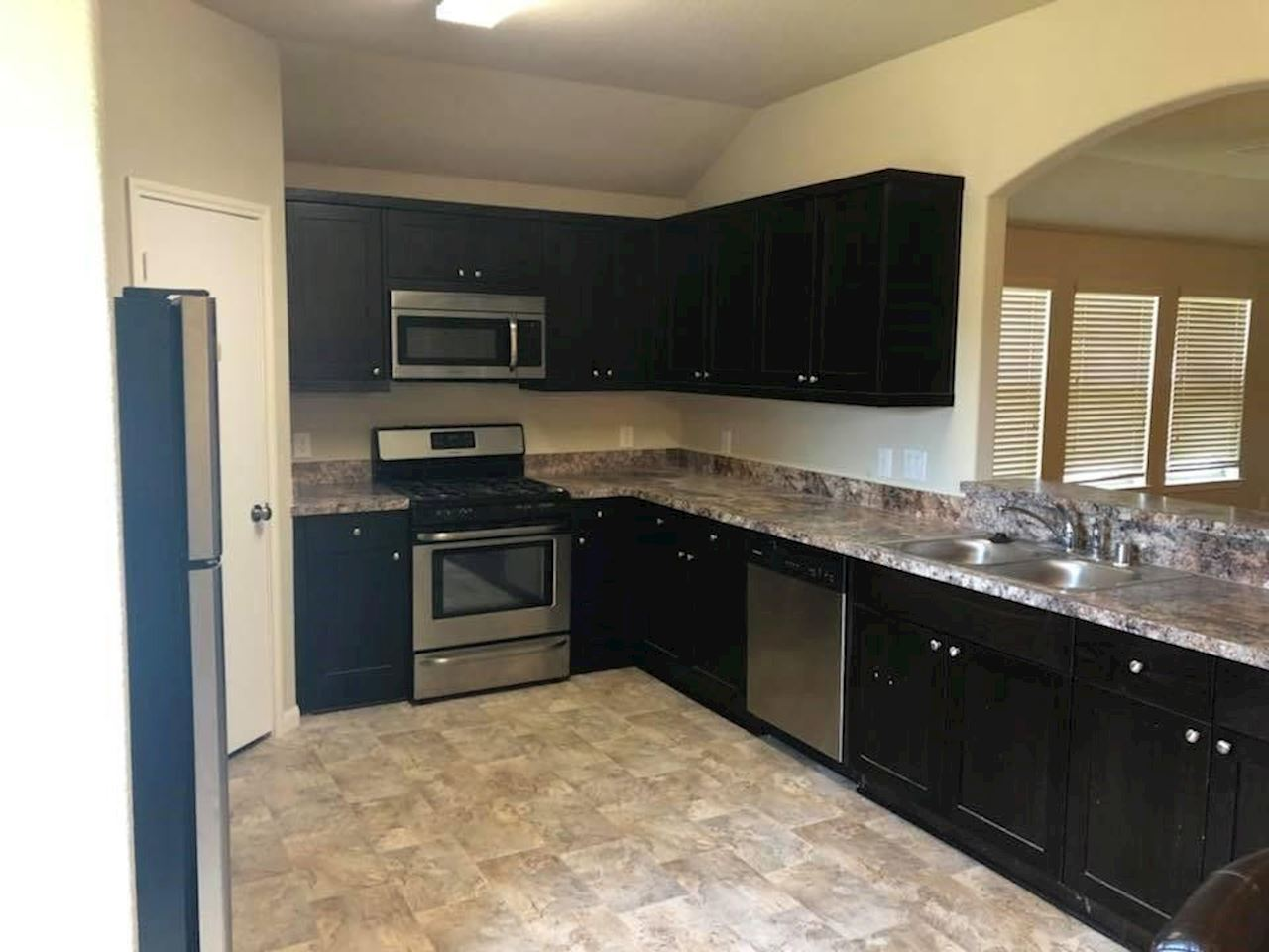 investment property - 625 26th Ave N, Texas City, TX 77590, Galveston - image 2