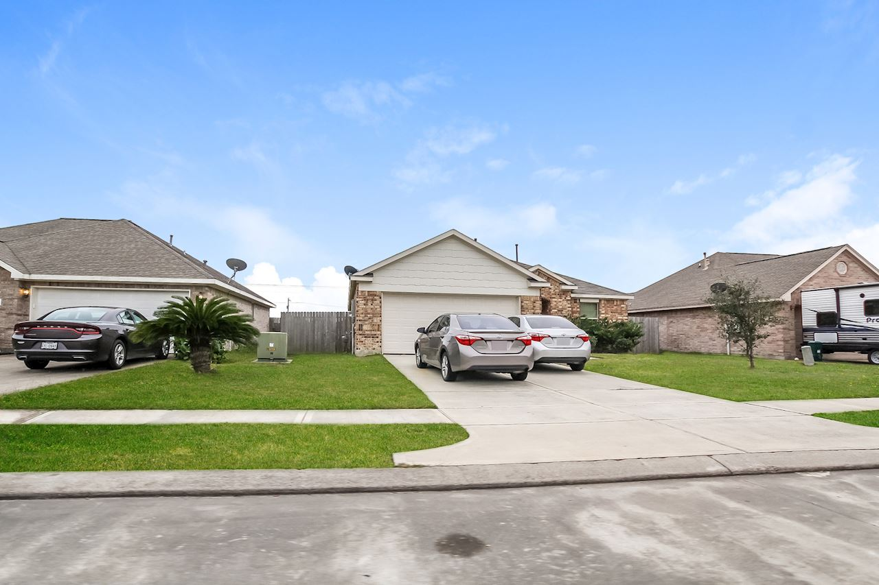 investment property - 625 26th Ave N, Texas City, TX 77590, Galveston - image 1