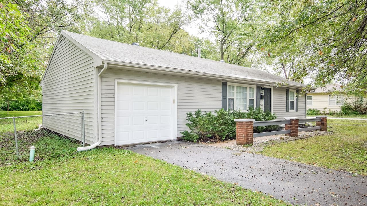 investment property - 10619 Palmer Ave, Kansas City, MO 64134, Jackson - image 3